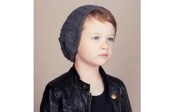 Как же сделать так, что бы ребенок сам захотел носить шапку?